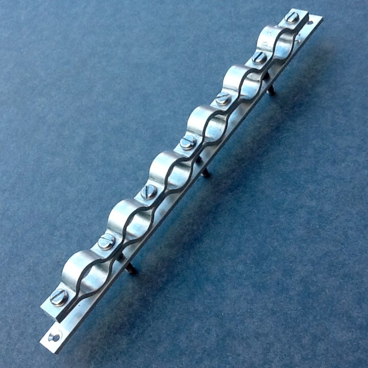 Cable conduit clamping bracket six port mm diameter